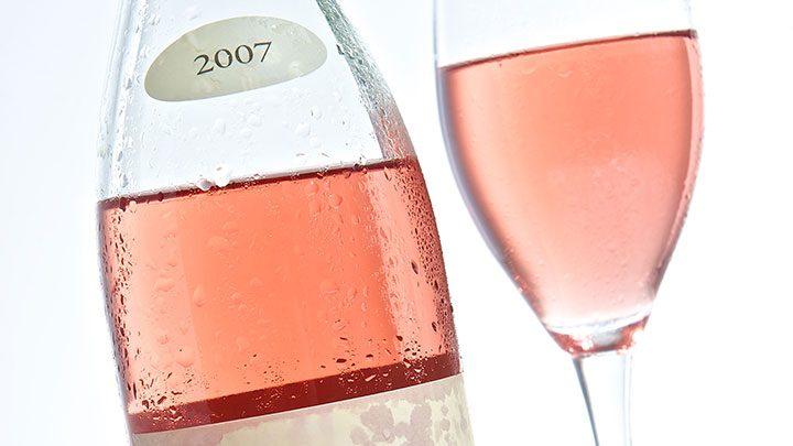 Como impressionar uma mulher com um bom vinho Rosé