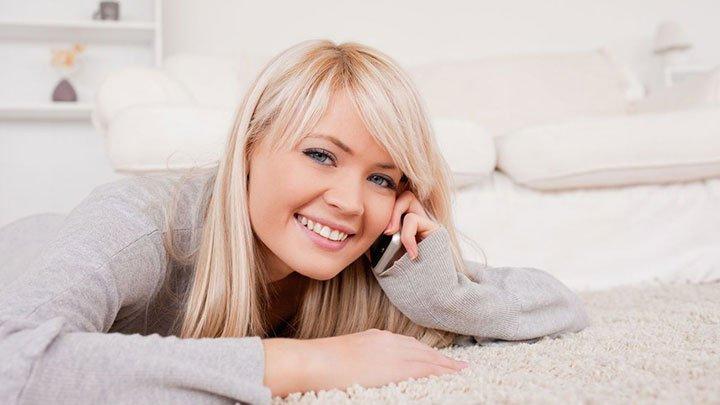 mulher por telefone