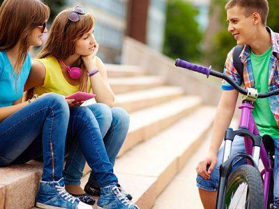 Tática para conversar com as meninas sem ficar nervoso