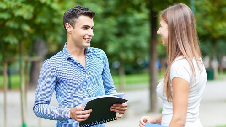 10 dicas para puxar papo com uma mulher